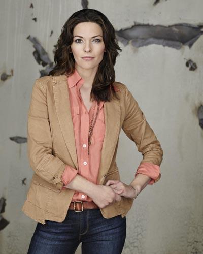 De La Garza, Alana [Criminal Minds: Beyond Borders] Photo