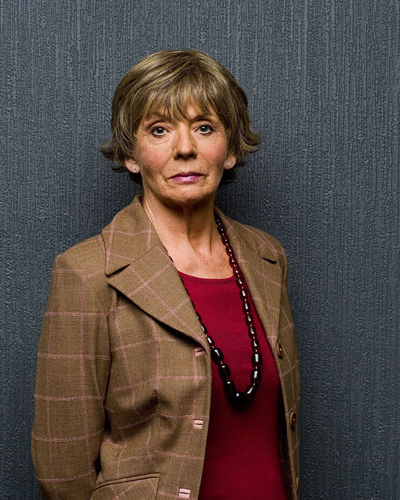 sue johnston net worth