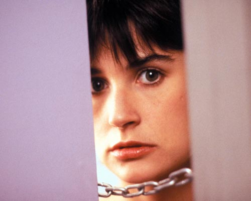 Demi Moore Ghost Haircut Demi Moores Short Hairstyle With The Back